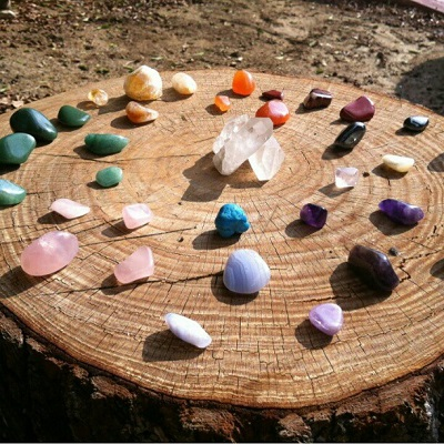Il 23 marzo: Minerali e cristalli, dalla scienza al benessere